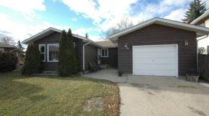 Own this 1510 sqft Bungalow and Have McLeod Park as your Back Yard5545 145A Ave (Casselman) Edmonton