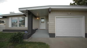 Gorgeous Family Home For Rent to Own In South side 3812 104 St Edmonton